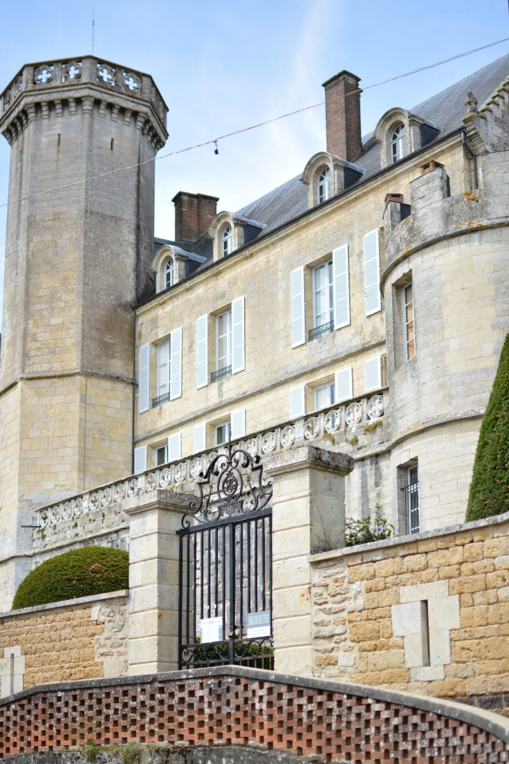 Entrée Montmirail chateau